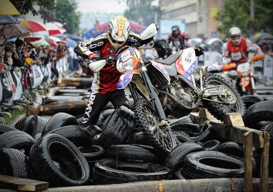 Video de motocross de mujeres this feature is not available right now