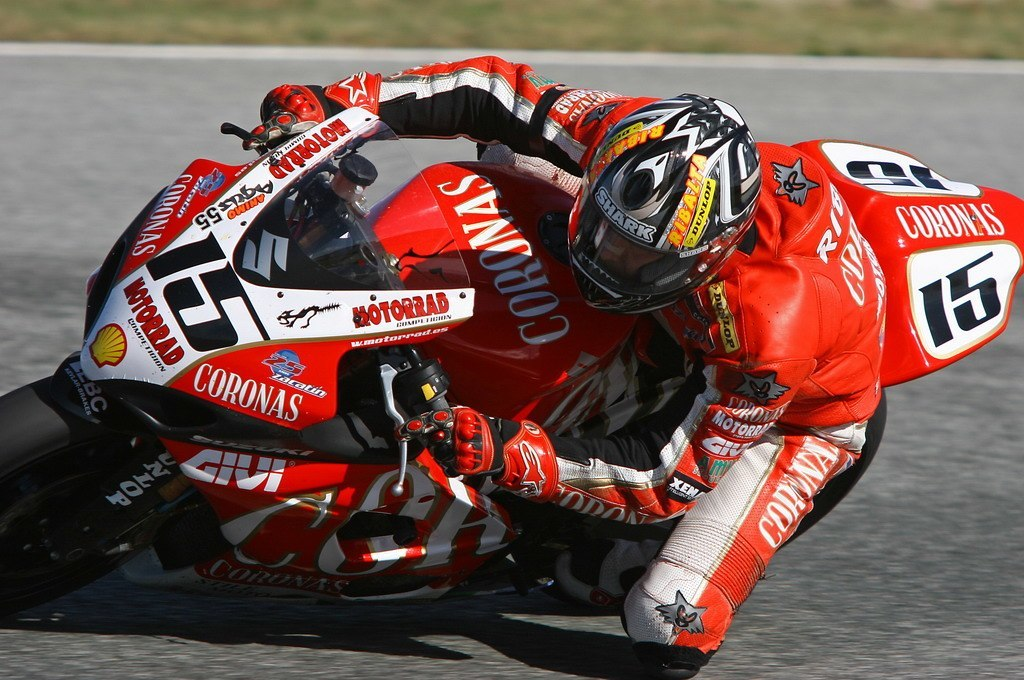 dani-ribalta-acaricia-podio-ultima-carrera-temporada-12634065386400.jpg