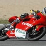 Los pilotos Derbi brillan en el segundo día en Portugal