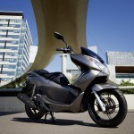 Los scooter de 125 cc vuelven a salvarse de los descensos de ventas en abril