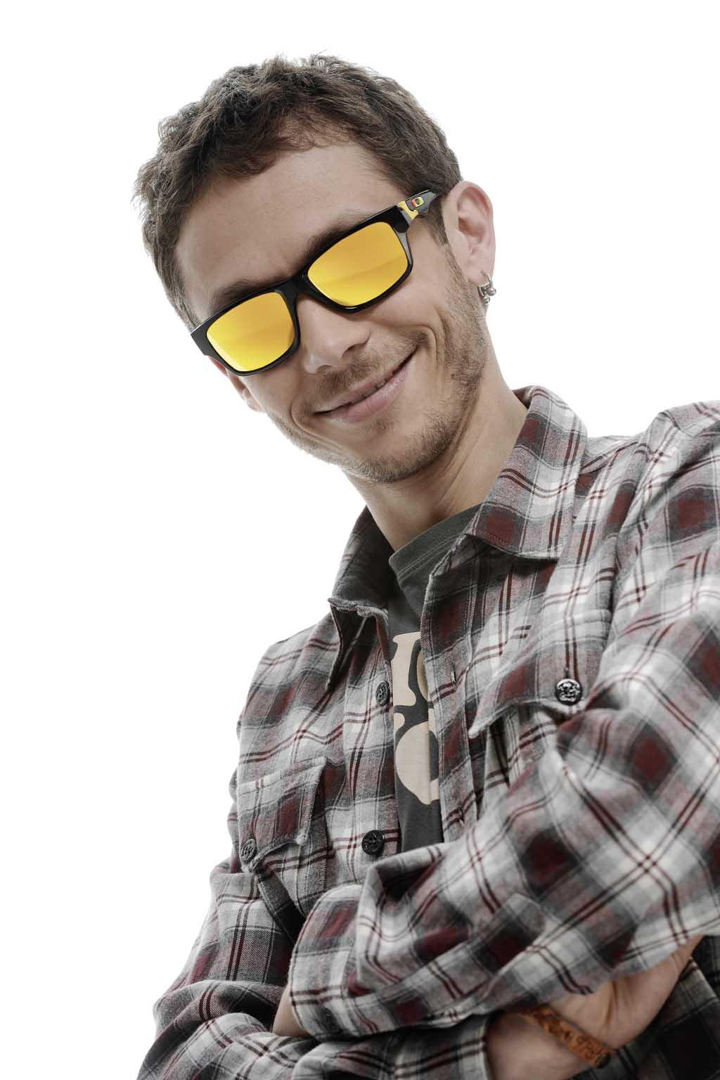 Oakley presenta una nueva colección de gafas de Valentino Rossi