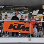 El equipo KTM BUFF by Pirelli vuelve a colocar a la RC8 Track en lo más alto de la MAC 90