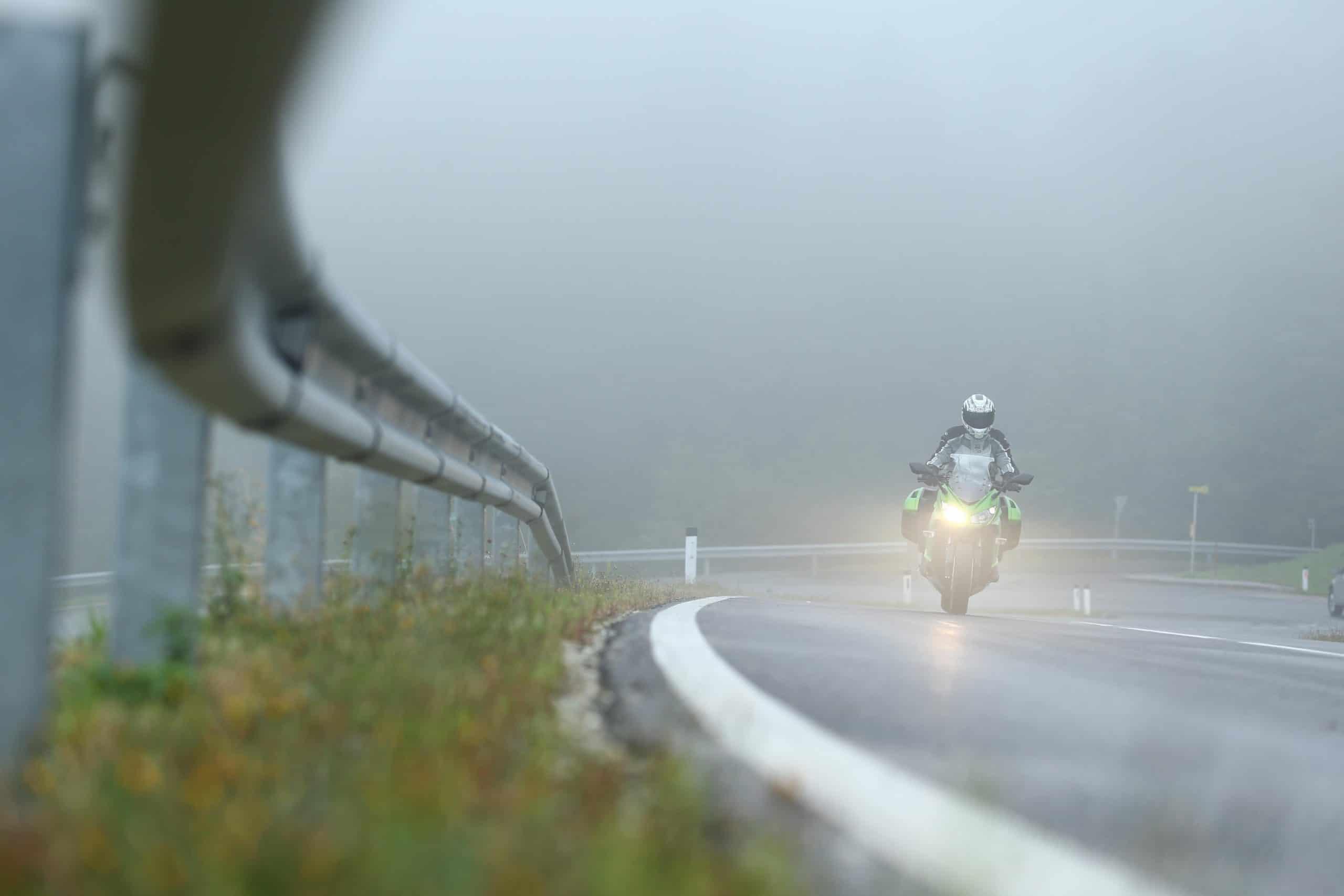 Kawasaki ZX1000SX lluvia