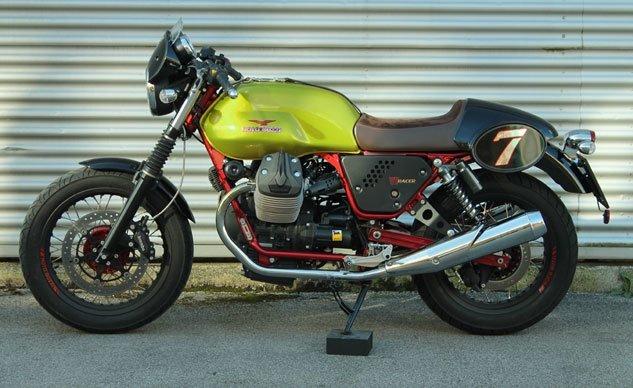 021815-2015-moto-guzzi-V7-Racer-Limited-Edition-verde-legnano-f