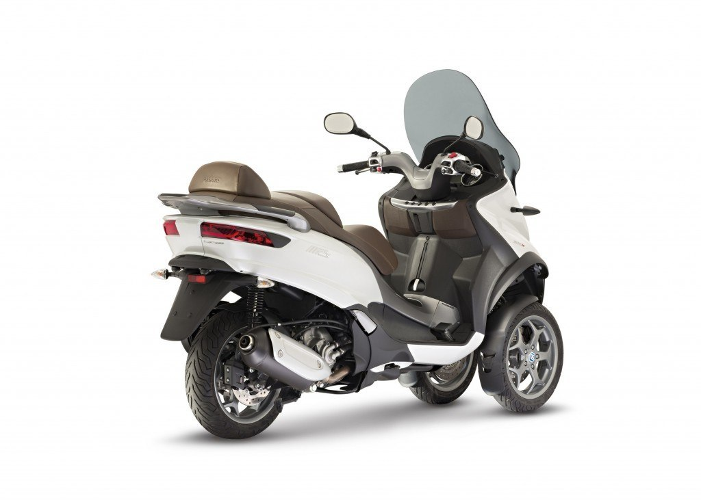 02_NEW_Piaggio_Mp3_300_ABS-ASR (2)