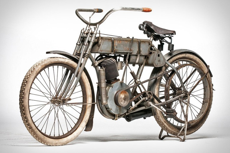1907-harley-davidson-strap-tank-selling-for-an-estimated-1-million-usd-1
