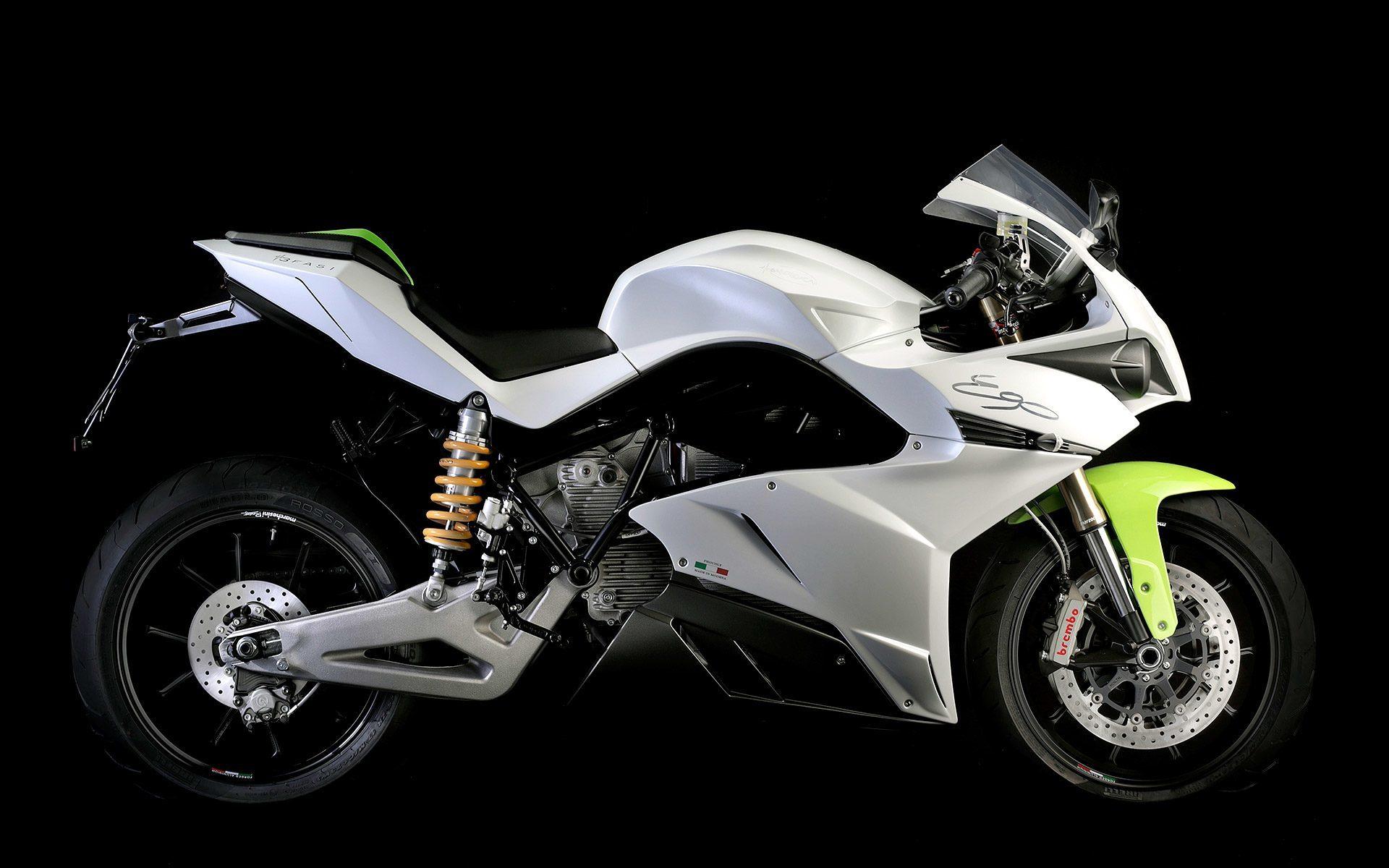 el fabricante de motos elctricas energica se ala con el banco ubs