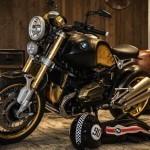 BMW Motorrad R nineT acabada en oro y tatuada