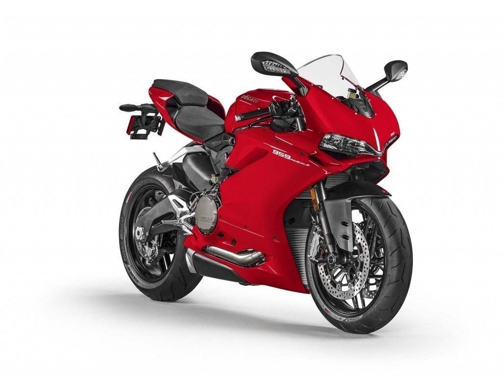 2016-Ducati-959-Panigale-USA-model-09-1024x766