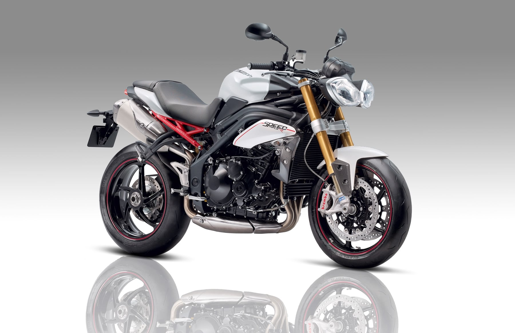 triumph speed triple r modelo del 2016. Black Bedroom Furniture Sets. Home Design Ideas