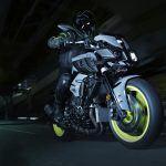 Yamaha MT-10 2017 en ciudad
