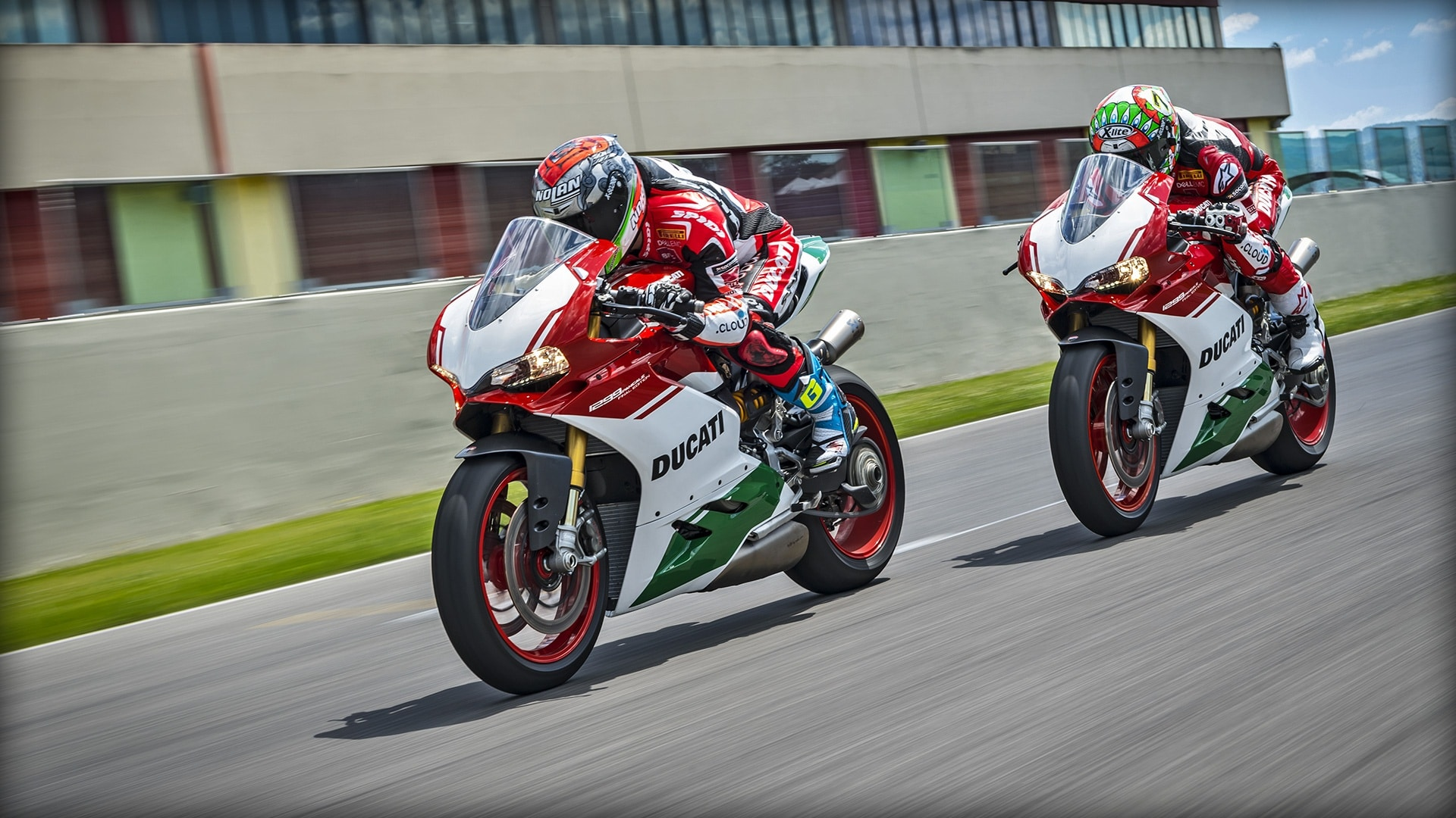 Ducati 1299 PANIGALE R FINAL EDITION: tributo al motor bicilíndrico