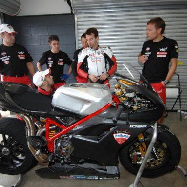 59 segundos de acción, video de Max Biaggi sobre la Ducati 1098R