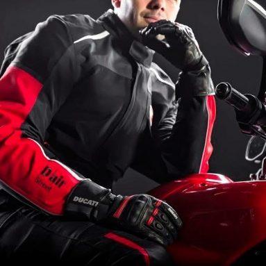 Más seguridad con la chaqueta airbag de la Ducati Multistrada 1200 S Touring D-air