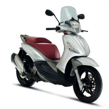 El Piaggio Beverly, un scooter de rueda alta muy versátil