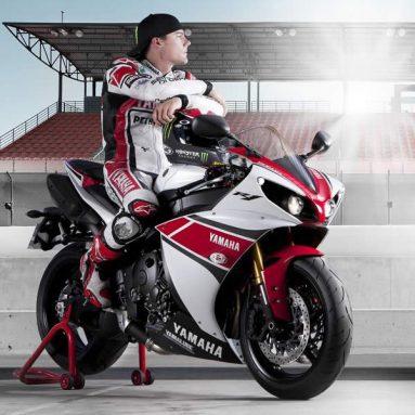 Espectacular video de Ben Spies y la nueva Yamaha YZF-R1 2012