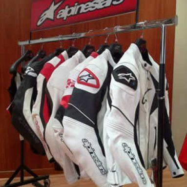 Alpinestars presenta su colección primavera-verano 2011