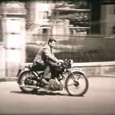 Prueba de neumáticos Avon alrededor de 1952 con una Vincent Rapide