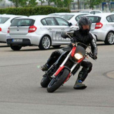 BMW te invita a un curso de pilotaje extremo con las nuevas G 650 Xmoto