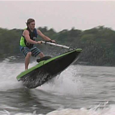 Moto de agua BomBoard 2015