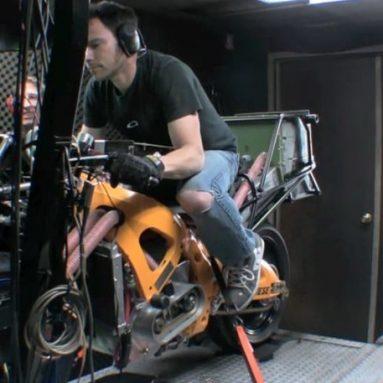 La moto eléctrica de Chip Yates alcanza los 365 km/h