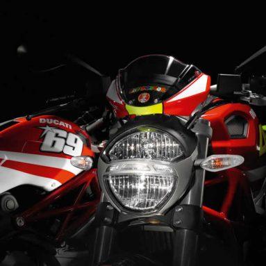 Ducatistas… Llegan las réplicas Rossi y Hayden al programa Monster Art