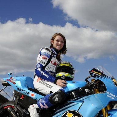 Elena Myers pilotando la Suzuki GSV-R en Indianápolis