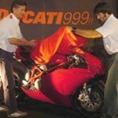 Eric Bostrom fue el encargado de descubrir la Ducati 999R