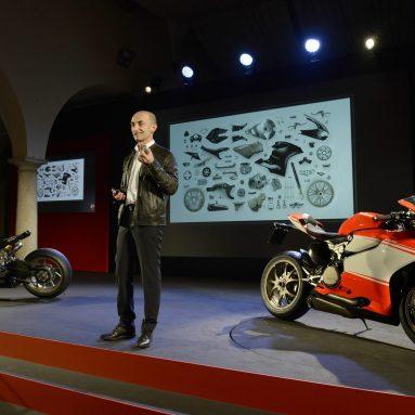 La gama Ducati 2014 trae cuatro nuevos modelos, la Monster 1200, la Monster 1200 S, la 899 Panigale y la 1199 Superleggera.