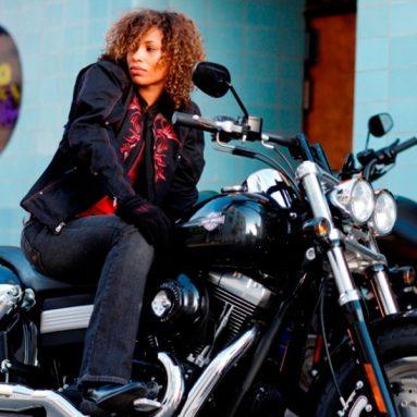La mujer Harley-Davidson, más seductora que nunca este invierno