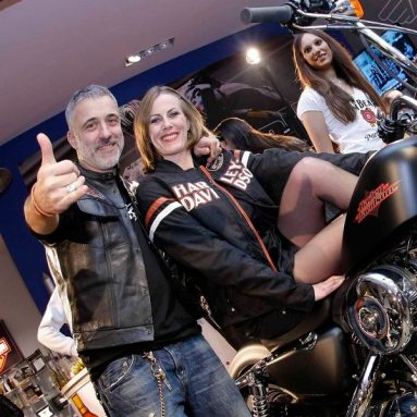 Las estrellas de la constelación Harley Premiere Night
