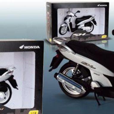 Ideas para Navidad. Honda Scoopy escala 1/12