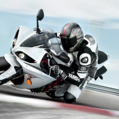Imágenes de la nueva Yamaha YZF-R1 2009 en acción