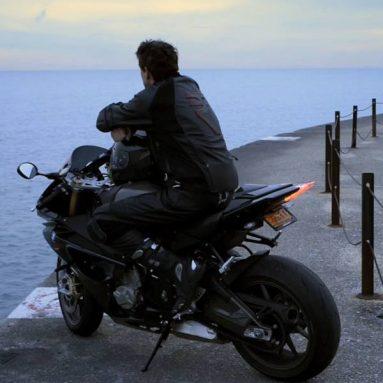 La nueva Nikon D800 demuestra su poder con un video de la BMW S1000 RR