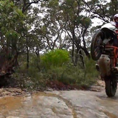Así disfruta Chris Birch con la KTM 1190