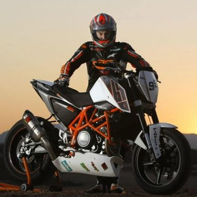 KTM 690 Duke 'Track', streetfighter radical exclusiva para circuito