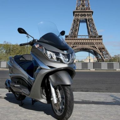Así es el nuevo Piaggio X10 2012