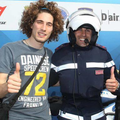 Dainese protege a la policía que escolta el Giro d'Italia con el sistema D-Air