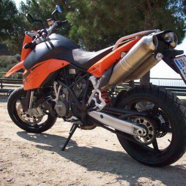 Probamos la KTM 990 Supermoto 2008