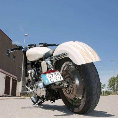 XL de Raza Deportiva by Radical Motorcycles