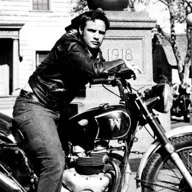 A subasta la Harley-Davidson FLH Electra-Glide de Marlon Brando