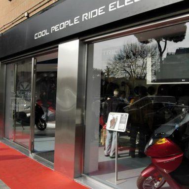 El scooter eléctrico llega a nuestro país, Vectrix inaugura concesionario en Madrid