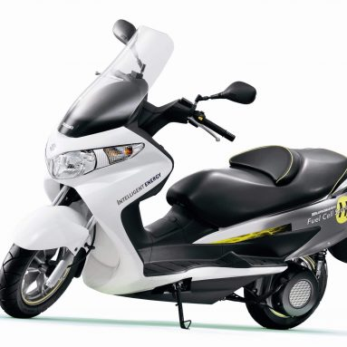 Suzuki patenta la tecnología del scooter Burgman movido por hidrógeno