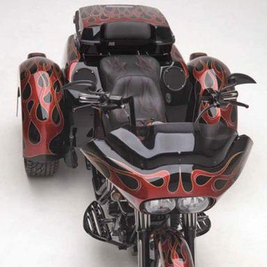 Ness Tri-Glide y Trailer Bagger ¡Un trike con clase y piezas Ness!