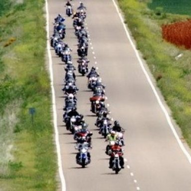 Vacaciones en ruta con el programa de alquiler online de Harley
