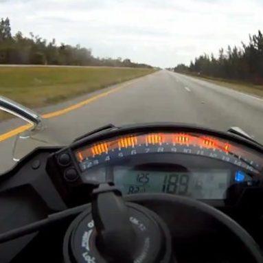 Velocidad máxima con una Kawa ZX-10R 2011