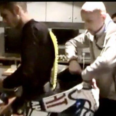 Video · Los técnicos de Dainese explican las peculiaridades del nuevo mono con airbag a Valentino Rossi